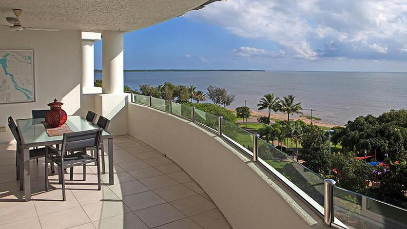Waters Edge Cairns Luxury Holiday Apartments facilities & amenities