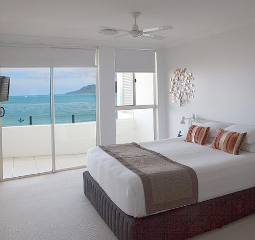 Book Direct Waters Edge Cairns Luxury Apartments